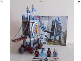Lego 8875 Knights Kingdom Kings Seige Tower