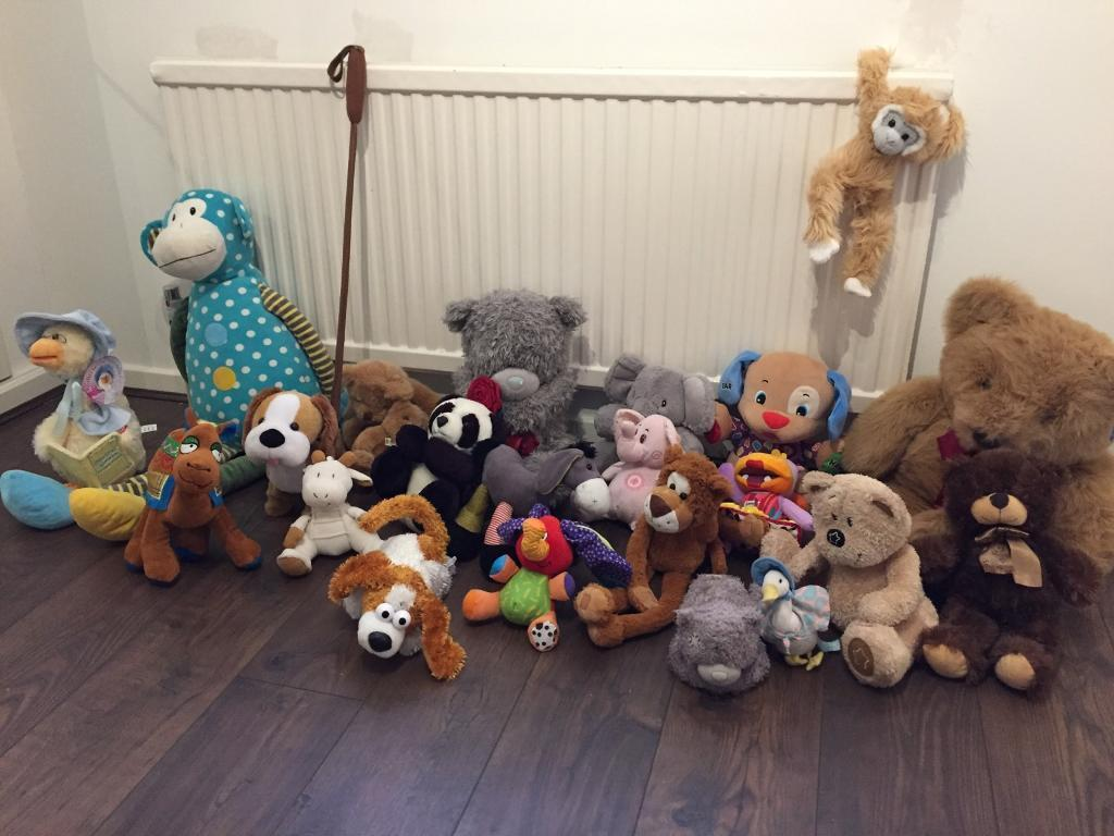 Children teddy bundlein Whinmoor, West YorkshireGumtree - Selection of 22 teddies in good condition, like new. Some are interactive and play music or move