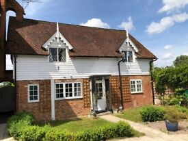 2/3 Bed top floor flat close to Amherst school, motorways, Bessels Green near Sevenoaks trains