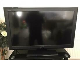 Sony Bravia 32 inch TV. All working. Good condition.
