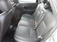 FORD FOCUS 4 DOOR MK1 FULL LEATHER HEATED SEATS WITH DOOR PANELS
