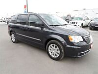 2014 Chrysler Town & Country Touring *REAR CAMERA*