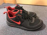 NEW Nike ACG Trainers Size 8.5 UK