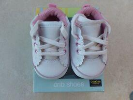 Osh Kosh Baby Crib shoes (Girls size 0, birth – 6 weeks) Brand new and boxed.