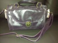 A very pretty, woman's shoulder bag (used)