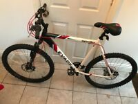 Nearly new Mens Mountain Bike