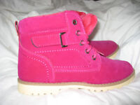 LADYS RED BOOTS BRAND NEW SIZE 5