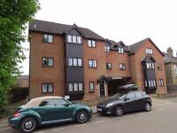 A modern clean and bright first floor two bedroom flat in Dale Grove N12 with parking unfurnished