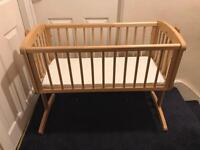 Baby cradle/cot