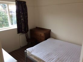 Spacious room to rent in shared house. 320pcm (bills inc)
