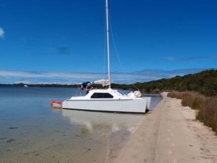 22' Catamaran sail boat, urgent sale