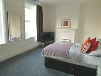 DSS ACCEPTED WITH GUARANTOR LARGE ROOM FOR RENT IN PINNER SUITABLE FOR COUPLES ALL BILLS INCLUDED