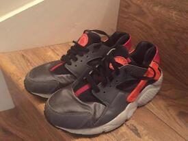 Nike Girls Huarache size UK 5.5