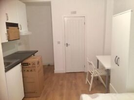 NEW STUDIO EARLS COURTS, HEATING INCLUDED