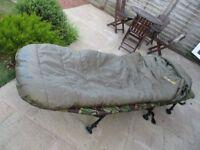 Wychwood Morpheus Extreme 4 sleeping bag & Trakker pillow