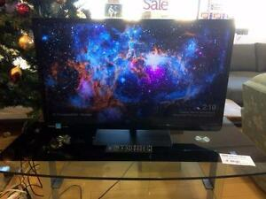 "Toshiba 32"" 720p HD LED TV with Remote - Used -"