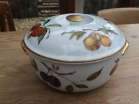 ROYAL WORCESTER EVESHAM FINE PORCELAIN CASSEROLE OVEN TO TABLE BAKING DISH - Two available