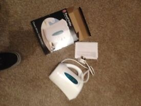 PICK UP FROM WRENTHAM- BOXED TRAVEL KETTLE USED ONCE £3 FULLY WORKING WHITE with instructions hobbs