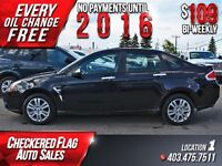 2009 Ford Focus SEL W/ Heated leather-Sunroof-Low KM's