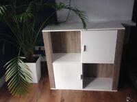 Display/storage units/cupboards