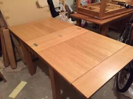 Oak dinning table new