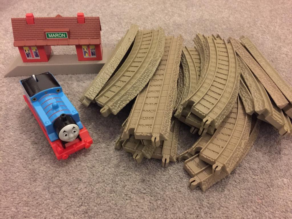 Thomas & Friends Trackmaster Maron Station Starter Set plus extra curved tracks