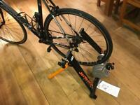 Jet Black Z2 Fluid Turbo Trainer