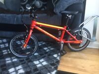 Islabike cnoc 14 large red excellent condition. Latest model