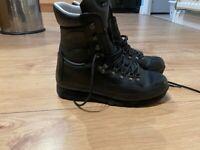 Altberg Warrior aqua boots size 9