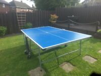 outdoor and indoor full size table tennis table with bats and balls