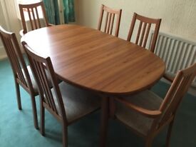 Dining room extendable Table and Six Chairs