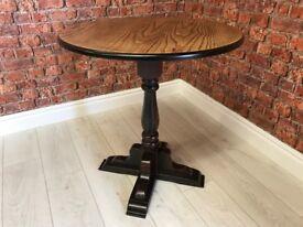 Oak Circular Top Bar Table