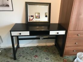 Desk/dressing table/mirror