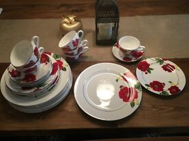 China Dinner Service, Excellent Condition, Dinner Set