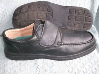 NICE PAIR GENTS SLIP ON SHOES. Size 12.