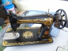 Antique Singer 15K sewing machine - 1929
