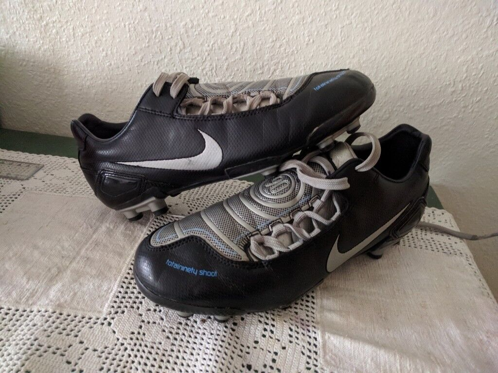 arrives 40a59 55844 Nike Total 90 Football boots
