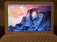 APPLE MACBOOK 2010/11 INTEL CORE 2 DUO 2.4GHZ 2GB RAM 250GB HDD WIFI WEBCAM OS X
