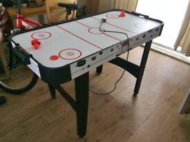 charles bentley 4ft air hockey table