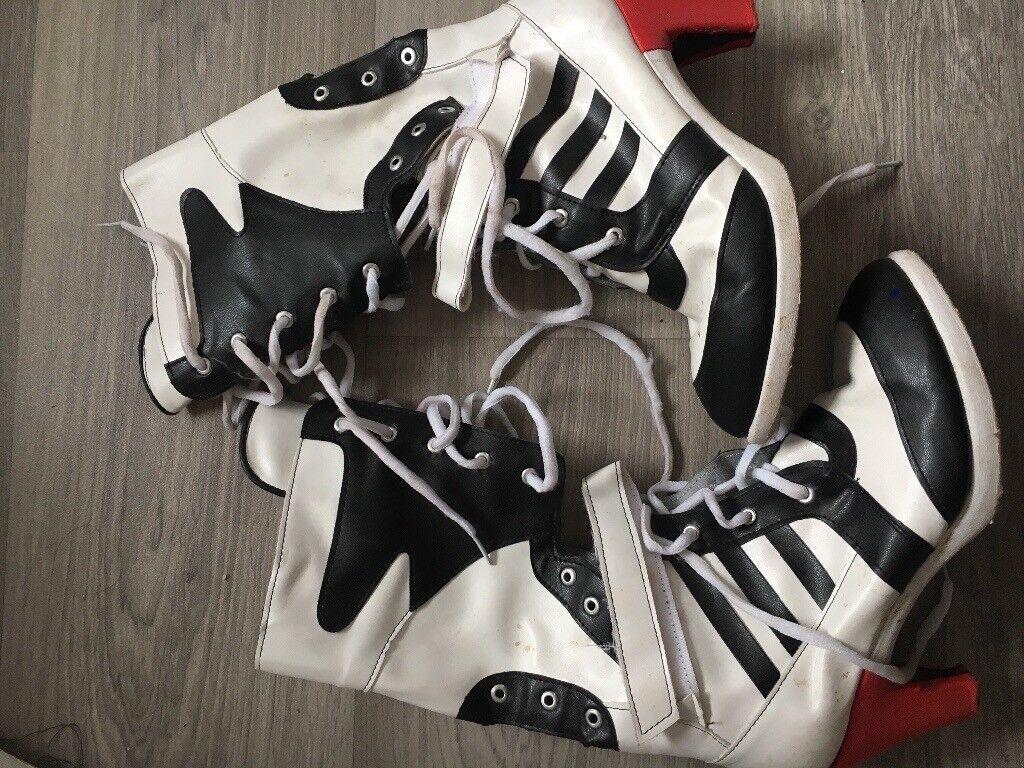 Harley Quinn boots size 5/6 Halloween fancy dress