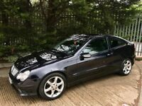 2005 Mercedes c220 Rare *Sport edition* Auto Pan roof!