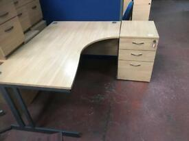 1600mm Curved Oak Veneer Desk & Pedstals Package