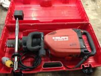 Hilti TE 1000 AVR Heavy Duty Concrete Breaker 110v plus New Hilti Chisel