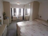 *Fully furnished double/twin room with balcony in EUSTON - 185pw- All bills included