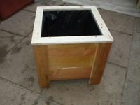 SQUARE WOODEN GARDEN PLANTER [NEW] 17 INCH SQ