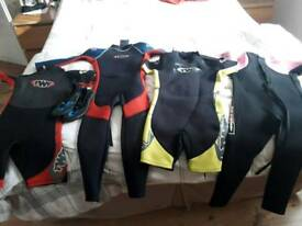 Kids wet suits