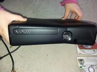 XBOX 360 SLIM WITH GLOW IN DARK CONTROLLER AND GAMES