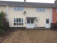 Loddon 4 bed terrace house, 2 reception, off road parking, £850 pcm
