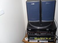 COMPACT HI FI SYSTEM WITH VINYL LP'S