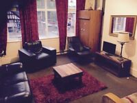 LARGE ROOM IN DUPLEX APARTMENT IN CHORLTON - INTERNET PARKING FURNISHED